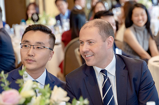 Conan与澳洲财长The Hon Josh Frydenberg MP合影